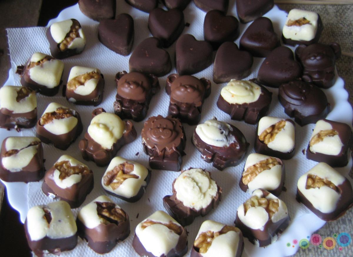 Namuose pagaminti šokoladiniai saldainiai